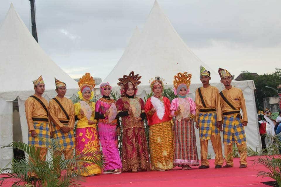 Bugis-tradisional-costume